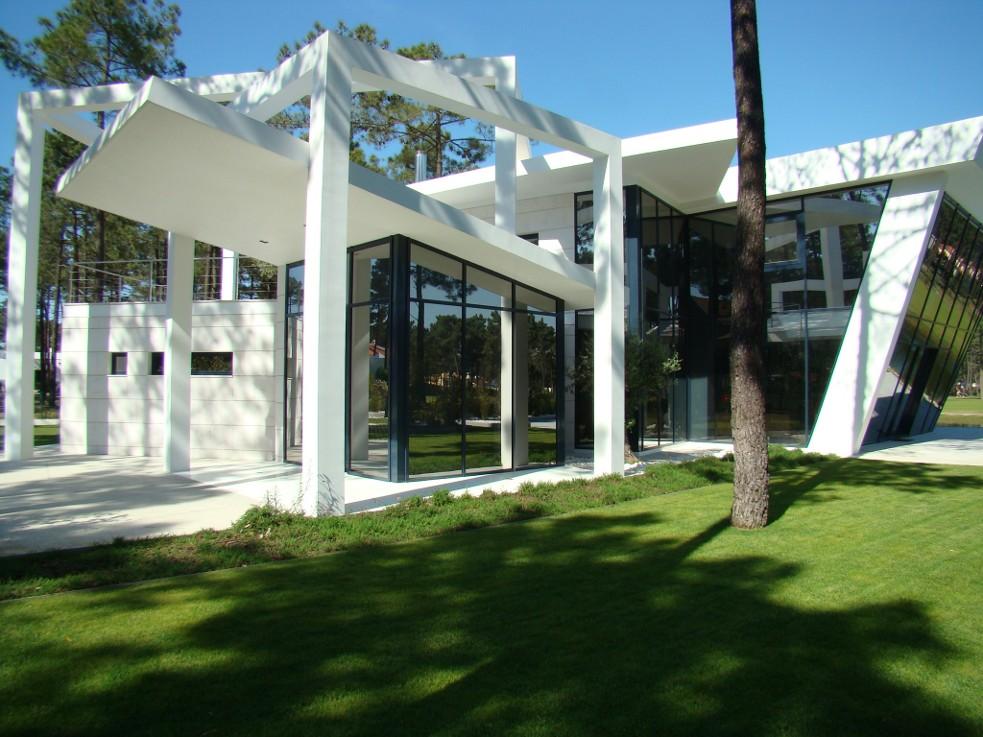 eao portugal arquitectura moradia j a herdade da. Black Bedroom Furniture Sets. Home Design Ideas